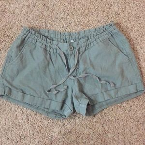 ❗️FINAL PRICE❗️OLD NAVY OLIVE SHORTS